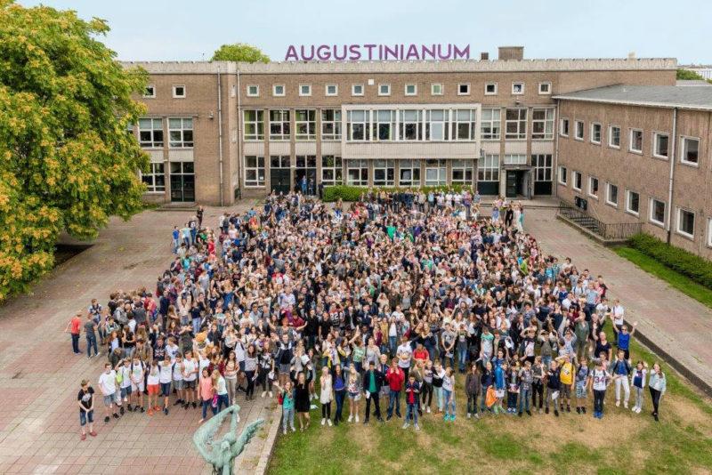 Augustinianum maakt grootste schoolfoto van de stad
